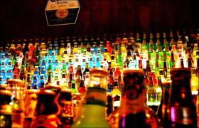 На Николаевщине торгуют просроченными спиртными напитками.
