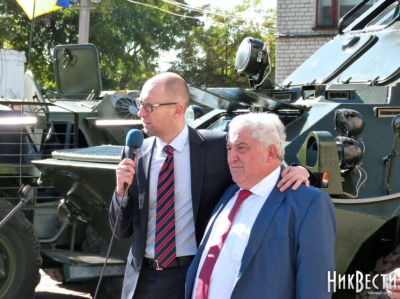 Николаевский завод оштрафован на 1,7 млн грн за несвоевременную поставку бронетехники, - ГПУ - Цензор.НЕТ 888