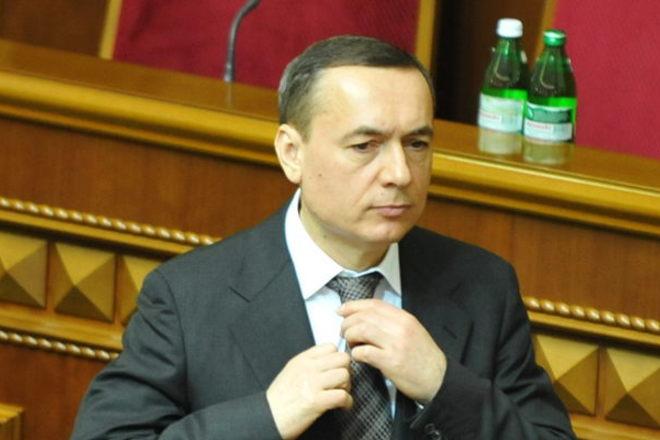 Верховная Рада забрала мандат уМартыненко
