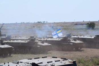 Морпехи получат современную военную технику, оснащенную по стандартам НАТО, - Порошенко - Цензор.НЕТ 422