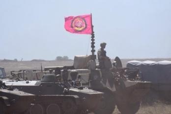 Морпехи получат современную военную технику, оснащенную по стандартам НАТО, - Порошенко - Цензор.НЕТ 4108