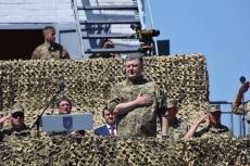 Морпехи получат современную военную технику, оснащенную по стандартам НАТО, - Порошенко - Цензор.НЕТ 6589