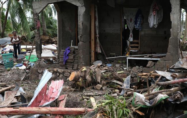 Опустевшие замки ибезлюдные улицы: популярный  Disney World впроцессе  урагана Мэтью