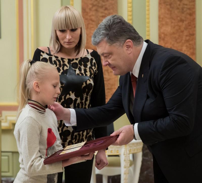 Украина никогда незарилась начужое, однако исвоего неотдаст— Порошенко