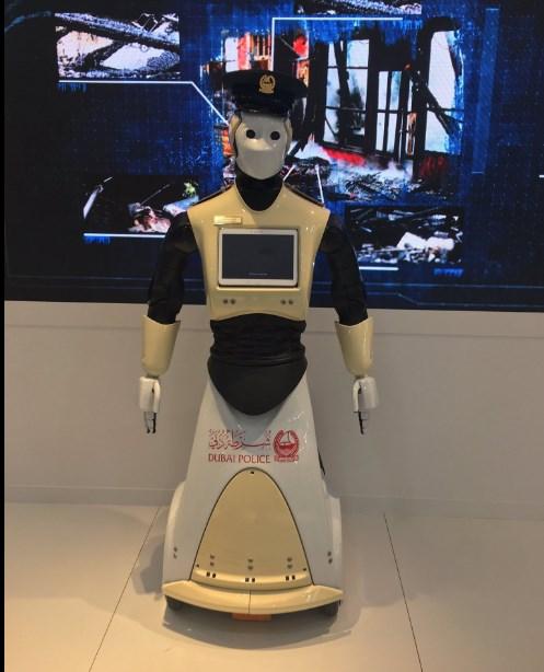 В Дубае начнет работать первый робот-полицейский