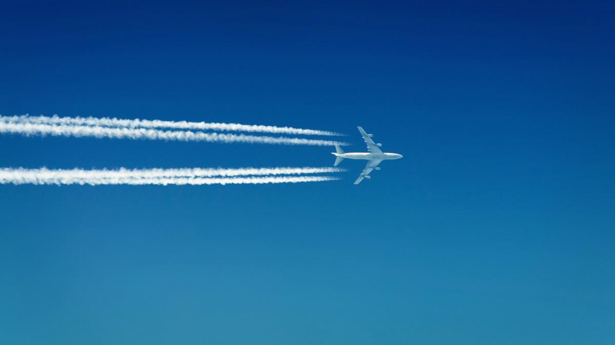 Киев оштрафовал русские авиакомпании на $28 млн заполеты вКрым