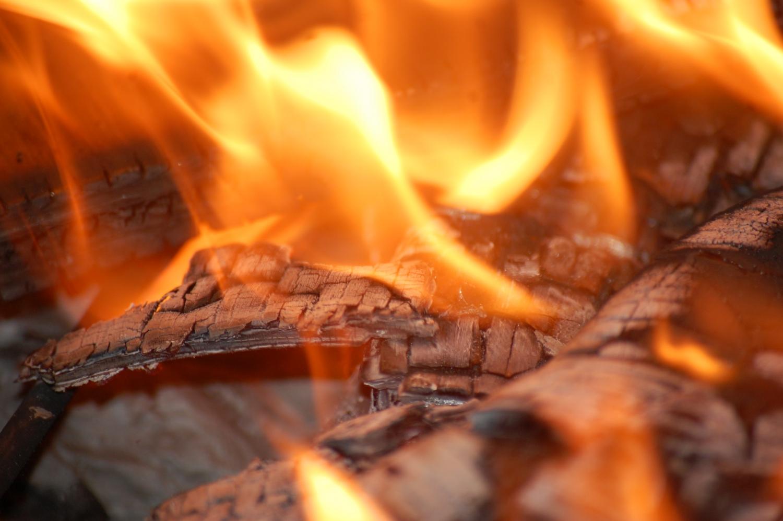 Двое пожилых людей погибли при пожаре 4