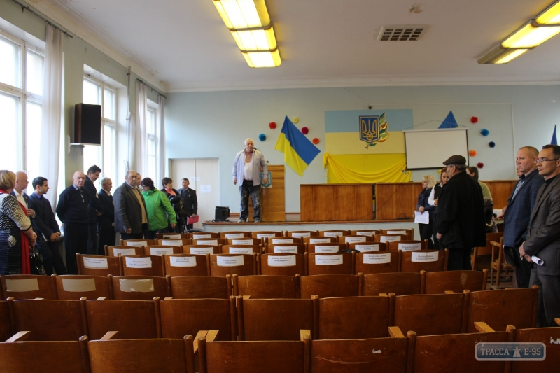 ВОдесской области бросили вмусорный бак депутата от«Оппоблока»