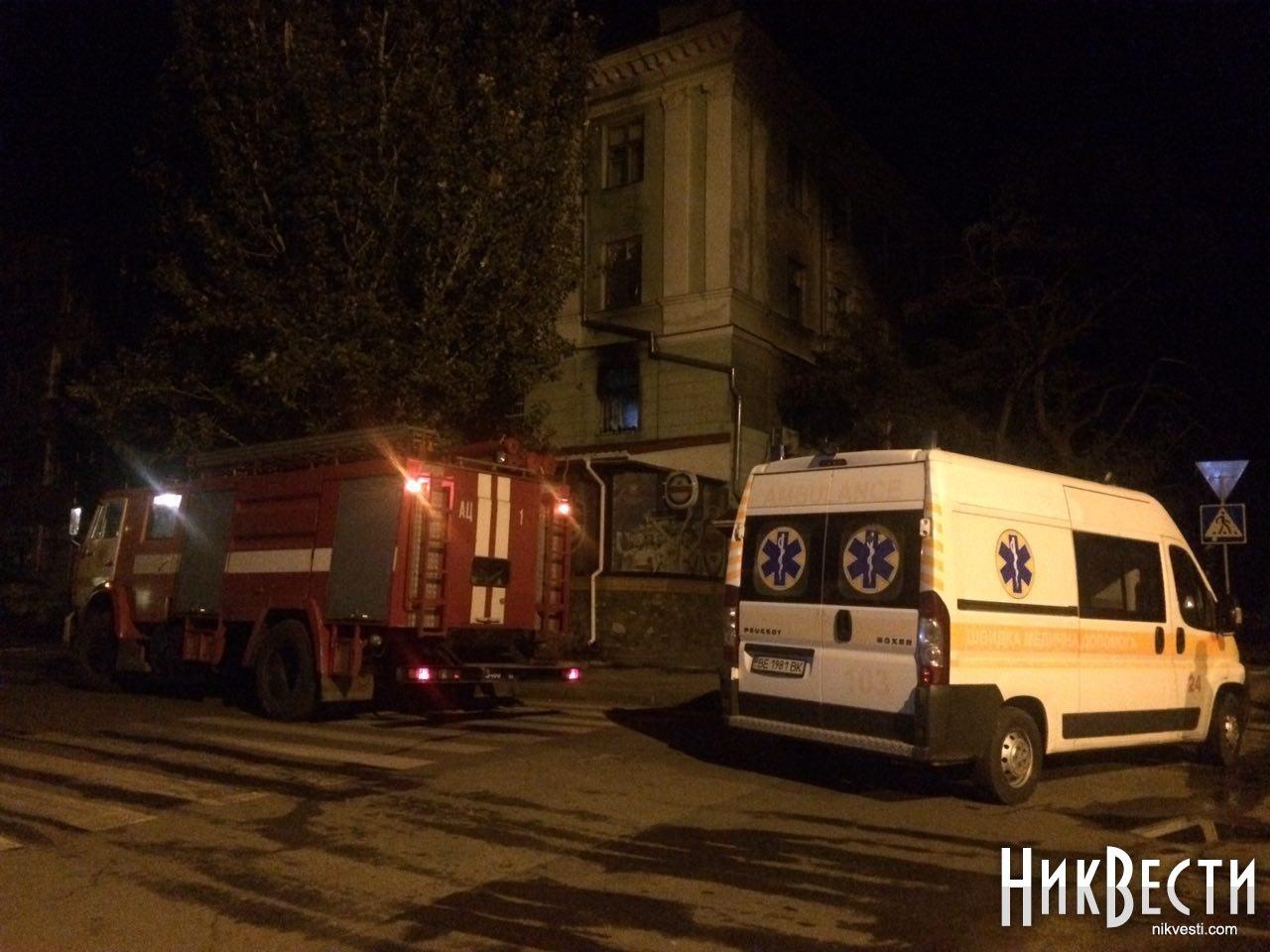 ВНиколаеве ночью загорелось общежитие, людей вытаскивали через окна