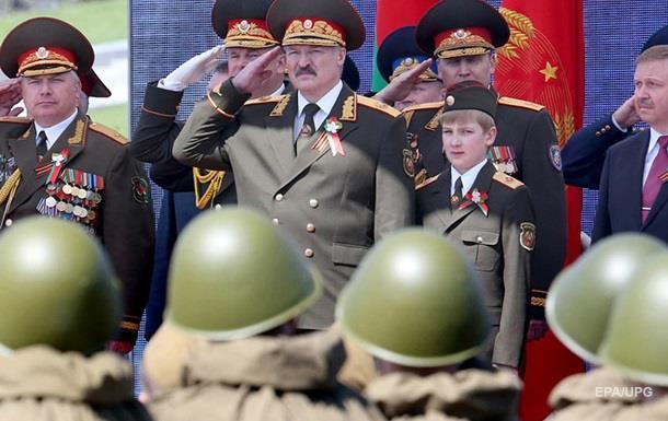 Песков уверил всохранении контактов между Москвой иМинском