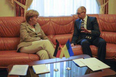 Сегодня вБерлине пройдет встреча Яценюка иМеркель