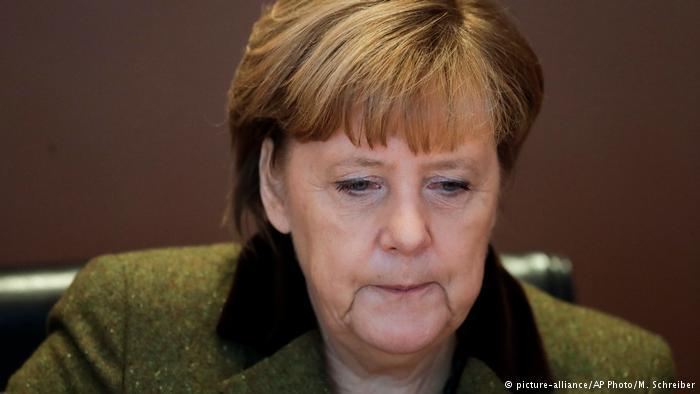 Меркель призвала Владимира Путина восстановить перемирие вАлеппо