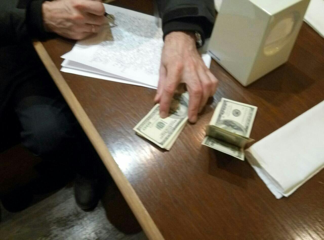 ВНиколаеве иностранец предлагал полицейским ипрокурорам взятку в $20 ты