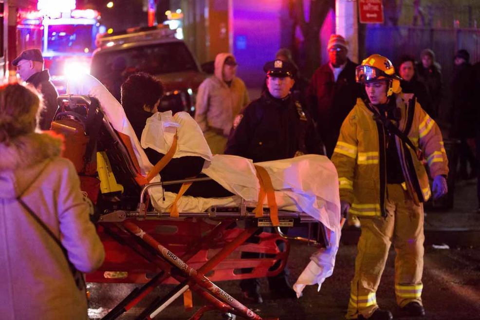 Пожар вНью-Йорке: десятки пострадавших