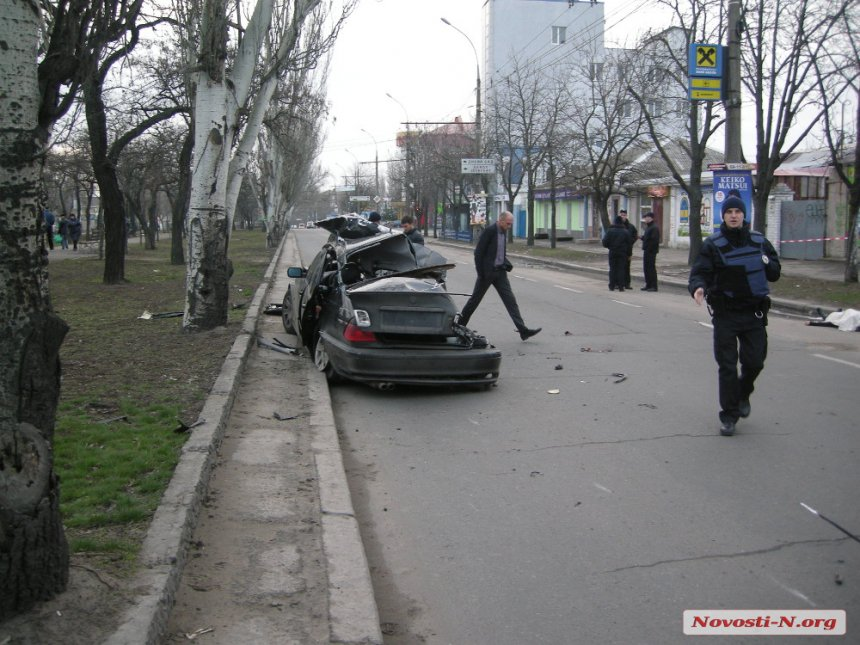 Полицейский на BMW устроил в Николаеве ДТП, в котором погибли четыре пассажира - Цензор.НЕТ 8885
