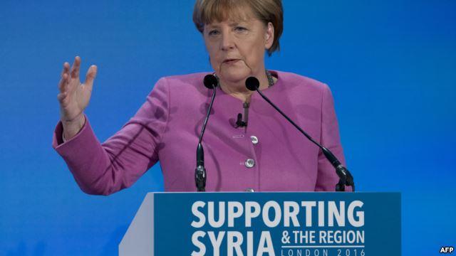 Ангела Меркель срочно прибыла вТурцию