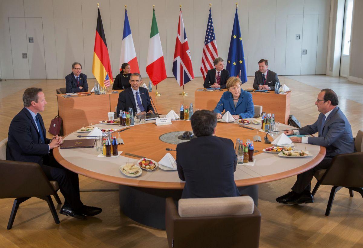 Меркель заверила руководство Гройсмана всвоей поддержке