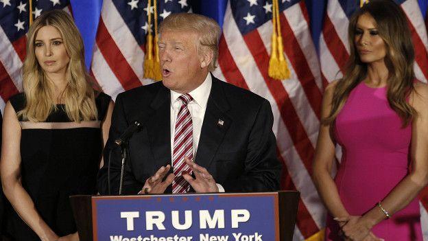 Сандерс планирует вместе с Клинтон действовать против Трампа