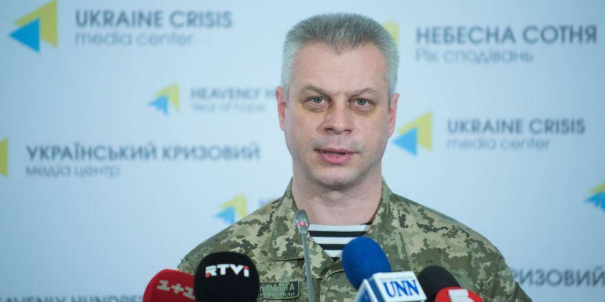Под Троицким боевики обстреляли силы АТО изартиллерии, есть раненые