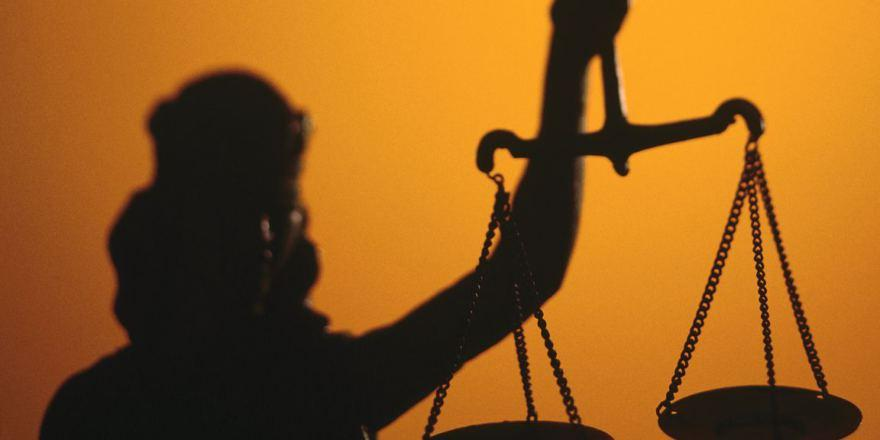 Судебная система начнет обновляться всередине сентября - Порошенко