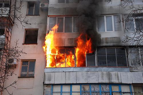 ВПервомайске таксист спас женщину, вовремя сообщив опожаре