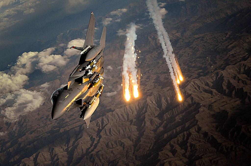 ВВС США взорвут в атмосфере плазменные бомбы