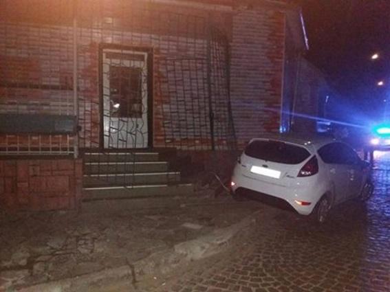 ВМукачево патрульные получили травмы при задержании обвинителя