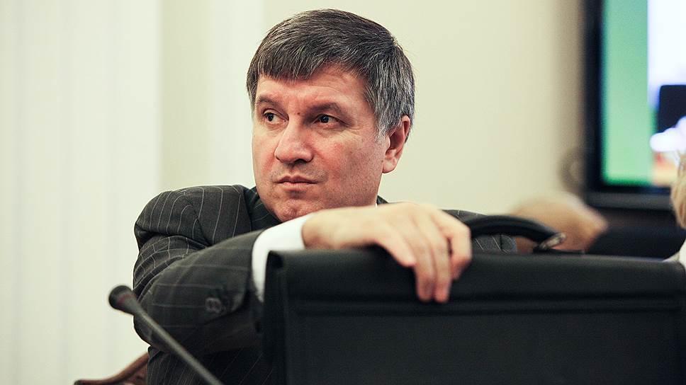 Аваков «за» мгновенное изменение «закона Савченко»