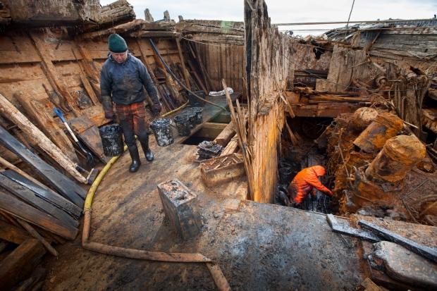 Судно Амундсена подняли содна вАрктике