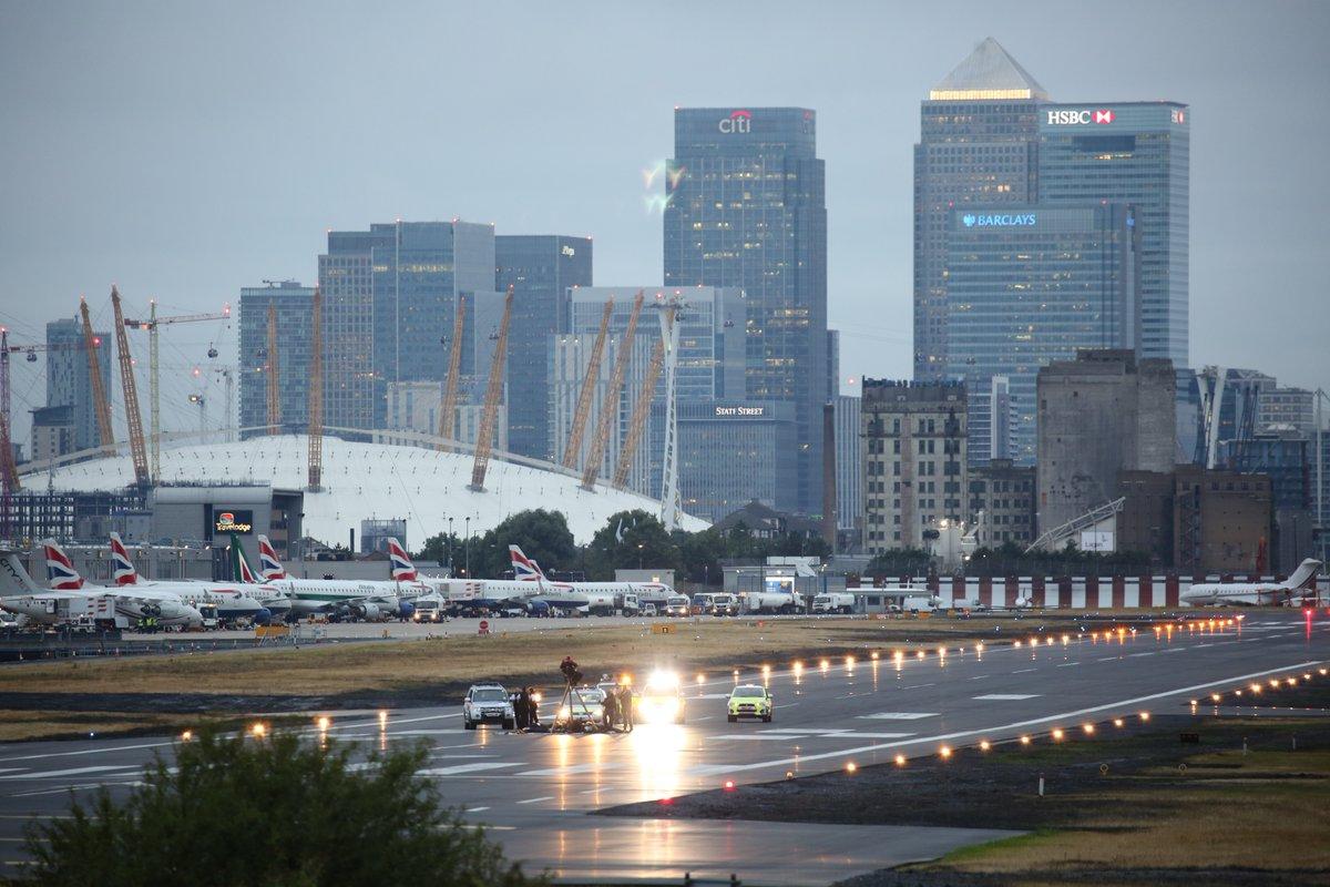Аэропорт Лондон-Сити закончил работу из-за акции протеста