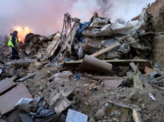 Поисковая операция наместе крушения «Боинга» вКиргизии приостановлена