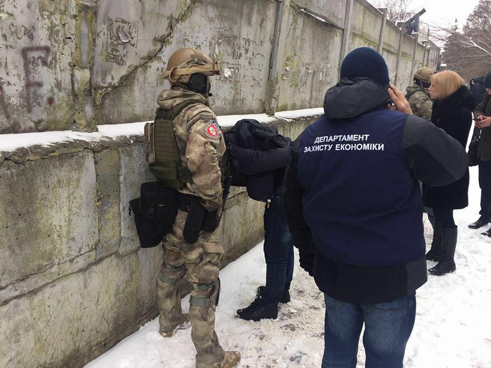 Начальники ГСП «Чернобыльский спецкомбинат» задержаны заполучение «откатов»