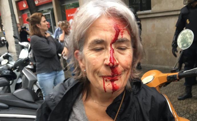 Мэр Барселоны: Власти Испании наводнили город полицией