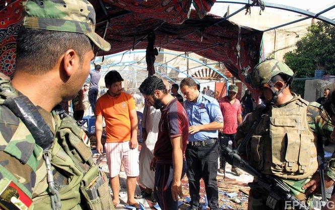Неменее  10 человек погибли при взрыве вкафе вИраке