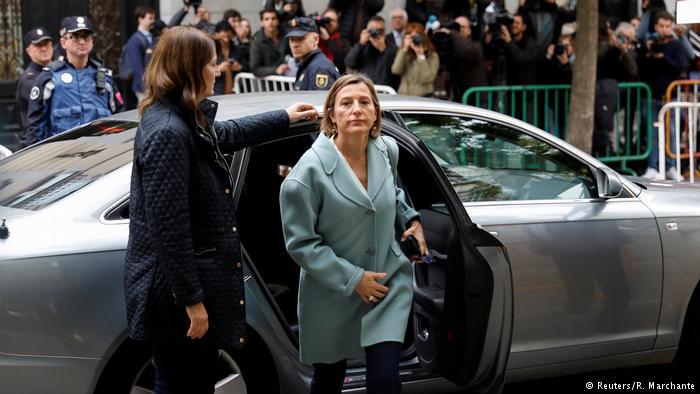 В Барселоне сотни тысяч жителей выступили в поддержку властей Каталонии