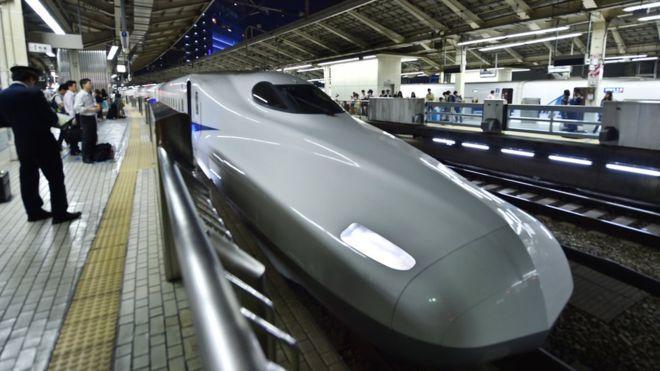 Японская компания извинилась за20-секундное отличие врасписании поезда