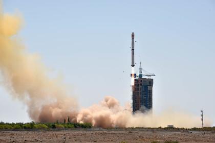 КНР вывел наорбиту первые спутники собственной навигационной системы