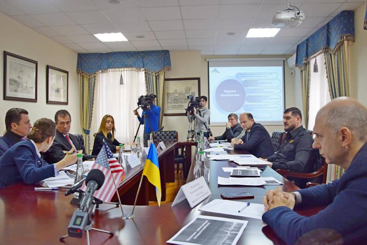 Губернатор Николаевщины вслед заКадыровым пообещал iPhone залучший стих— удивительное совпадение
