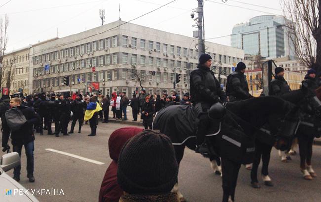 Cторонники Саакашвили пытались взять штурмом Октябрьский дворец вКиеве