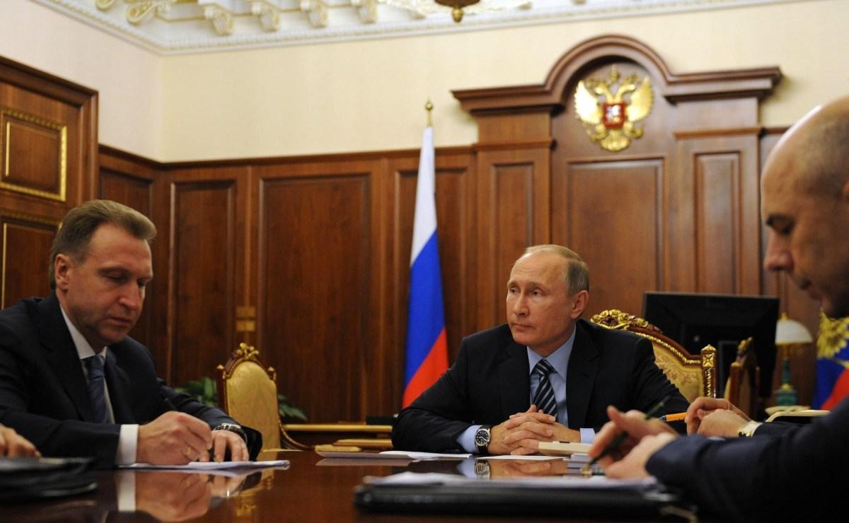 Путин снял спостов 16 генералов МЧС, МВД иСКР
