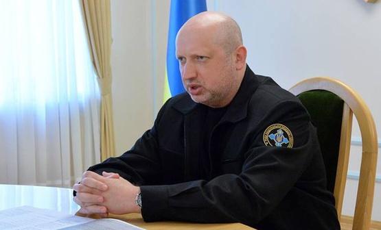 Турчинов строго ответил наогонь боевиков погражданским объектам вАвдеевке