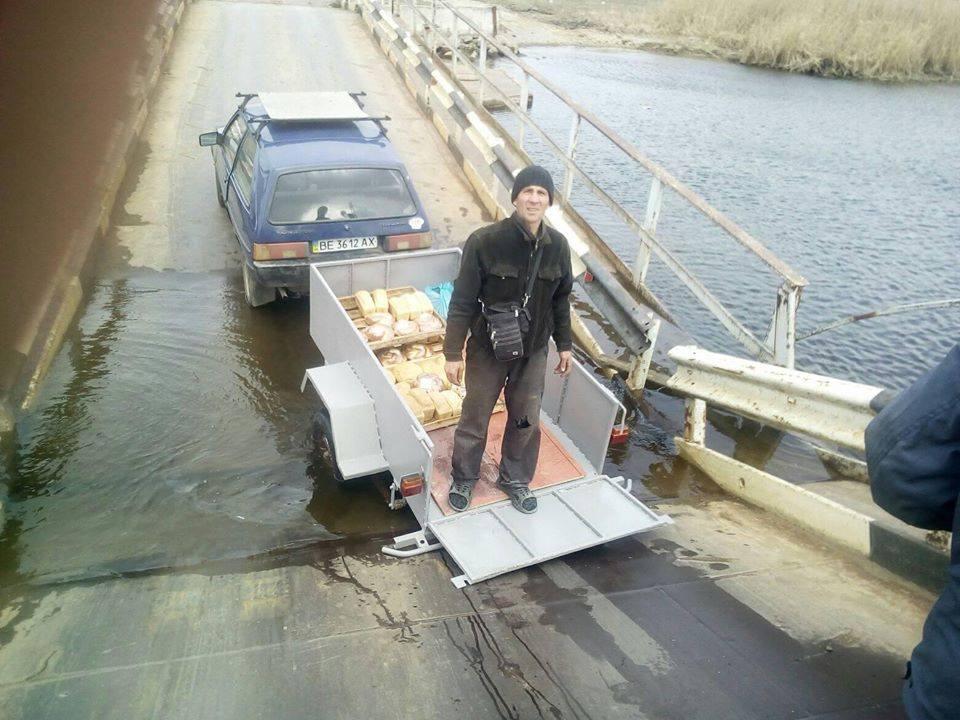 Под Николаевом утонул понтонный мост
