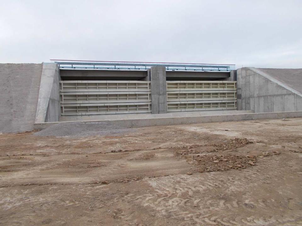 НаХерсонщине построили дамбу, чтобы непускать воду вКрым