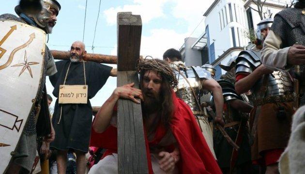 НаДерибасовской прошла масштабная пасхальная реконструкция— Страсти Христовы
