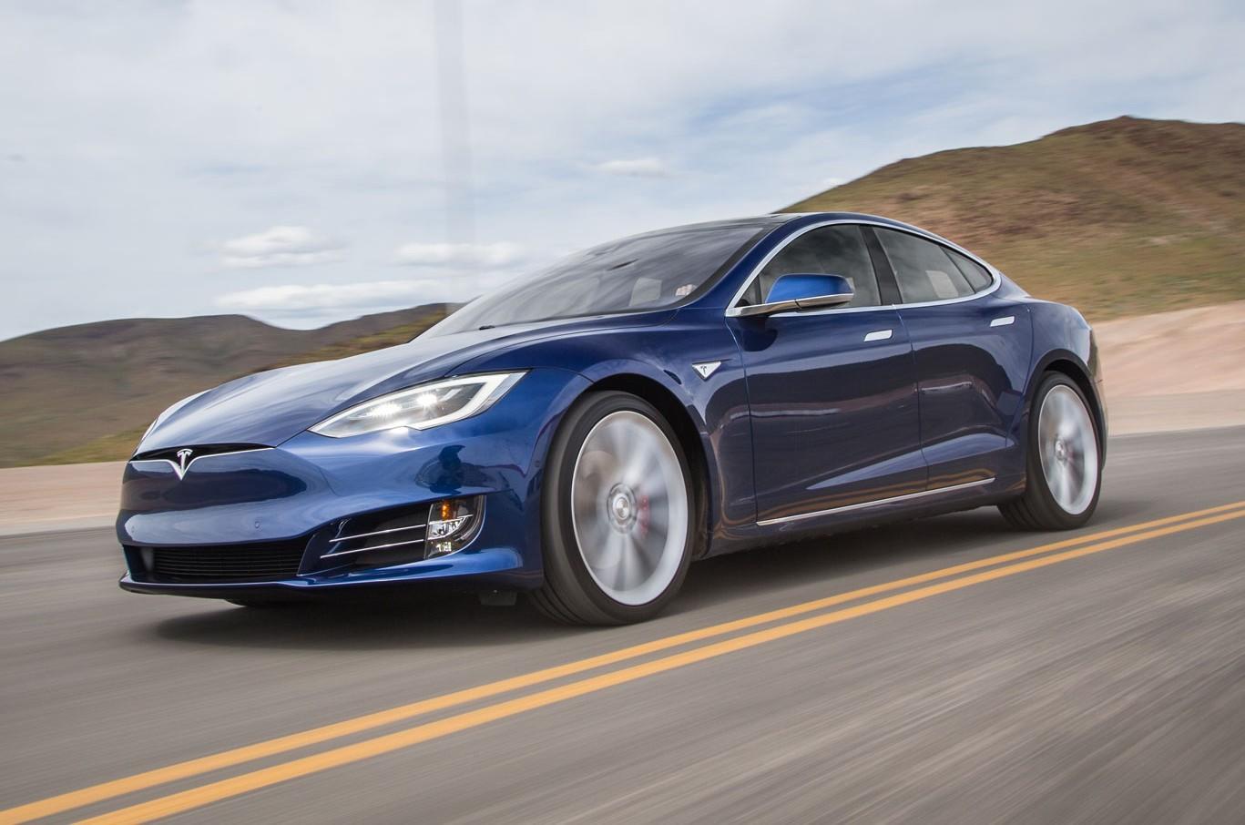 Tesla Model S 75 подешевела