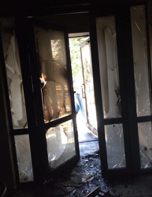 Неизвестные подожгли кабинет Оппозиционного Блока вДнипре