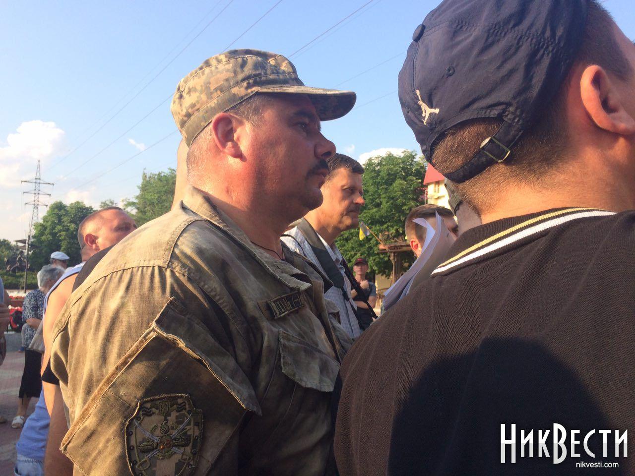 ВНиколаеве забросали яйцами народного депутата Надежду Савченко, размещены фото ивидео