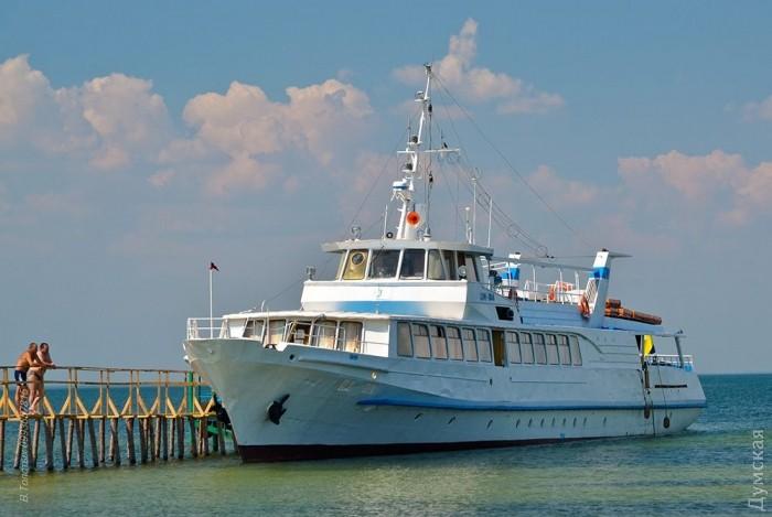 Спасайтесь сами: на острове в Черном море застряли туристы (фото)