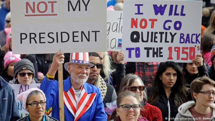 ВСША начались массовые демонстрации— Импичмент Трампа