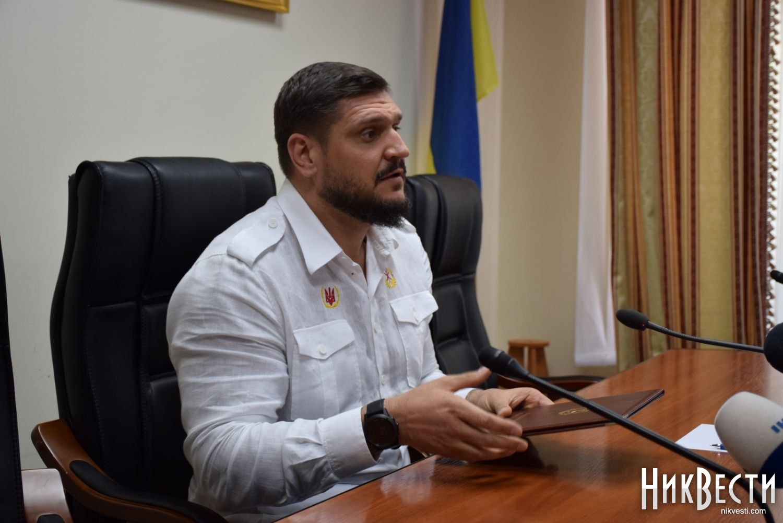 Легендарный военный летчик Волошин ушел награжданку— замдиректором аэропорта «Николаев»